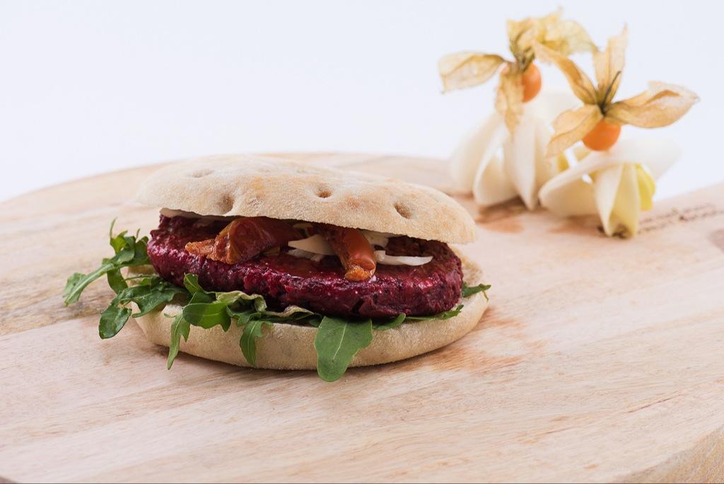 Beetroot vegaburger